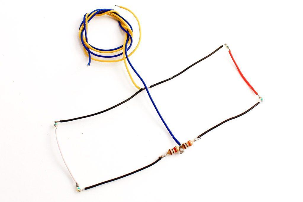 NANO Harness 4x 4 (2 Red, 2 White) Small
